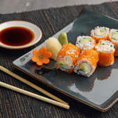 Tobiko California Roll (6 Pcs)