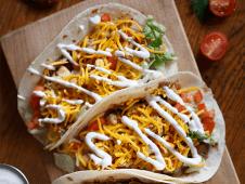 Tacos cu pui cajun