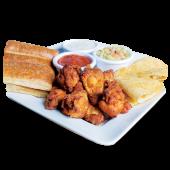 Trío - Alitas de pollo, quesadillas de pollo y palitroques