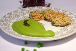 Chiftelute de legume cu piure de mazare si morcov