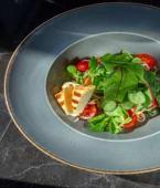 Салат з грильованим сиром Халумі, корнеплодами (260г)