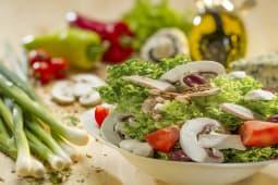 Salata cu pui si mozzarella