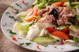 Салат з тунцем (210г)