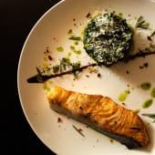 Запечене філе лосося зі шпинатом (150/150г)