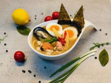 Рамен з морепродуктами