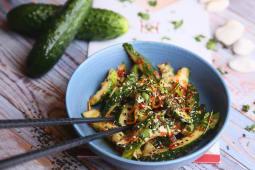 Салат із гострих огірків (150г)