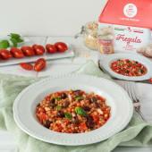 Fregula sarda con pomodori datterini e polpa di granchio per 2 persone