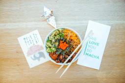 Marinated sushi bowl riso bianco + Macha cheescake + Coca-Cola Zero