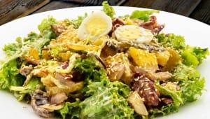 Теплий салат з ковбасками чилі (250г)