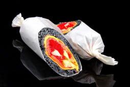 Сушірітто з лососем і сиром мааздам