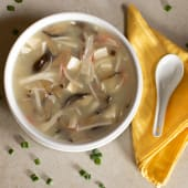 Sopa De Cangrejo Con Hongos Y Cha Siu