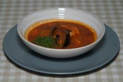 Томатний суп Качуко з лососем та тигровими креветками (300г)