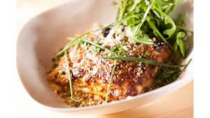 Lasagna de carne à bolonhesa com bechamel e estragão