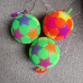 Squeaky play balls