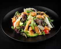Salata cu somon si avocado