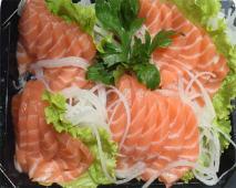 A1. Sashimi de Salmão 25 Peças