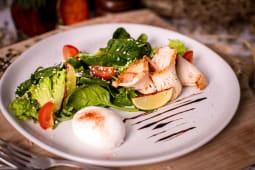 Теплий салат з індичкою (200г)