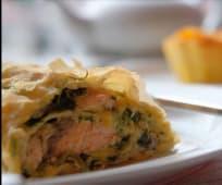 Штрудель з лососем та шпинатом (100г)