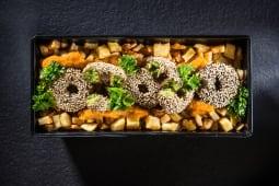 Kebun de falafel cu cartofi, sos oriental și pătrunjel