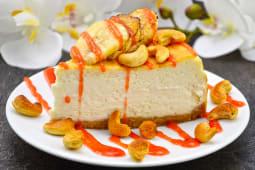 CheeseCake з мангово-вишневим кюлі (240г)