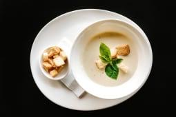 Supă cremă de pui şi сiuperci