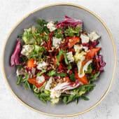 Салат з лососем і блакитним сиром (170г)