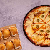 10% OFF - Pizza mozarella + empanadas (12 uds.)