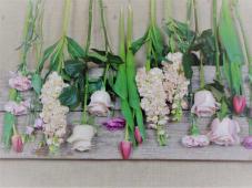 Ramo De Flor Variada En Tonos Rosas Con Verdes Mediano
