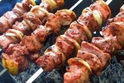 Шашлик зі свинини з овочами-гриль (250г)