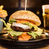 Chevre Burger + Birra