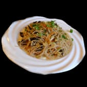 Spaghette de orez cu carne de pui