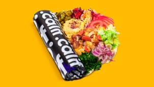 Kebab de pui cu hummus si salate in lipie