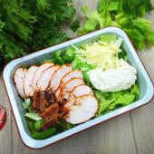 Salată caesar cu pui