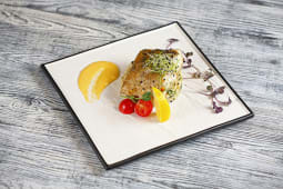 Стейк із судака зі шпинатним рисом і соусом голандез (300г)