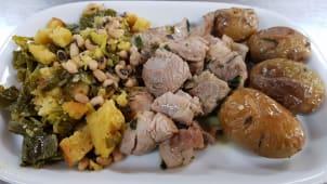 Lombinhos de Porco com Migas e Batata Assada Ou Batata Frita