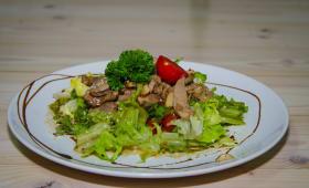 Теплий салат з яловичиною (200г)