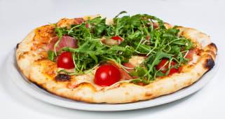 Pizza Vip  prosciutto crudo + piće