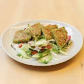 Salatat bil falafel