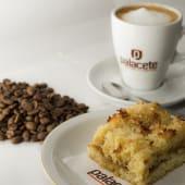 Promo 2 (café americano + porción de coco, ricota o pastafrola)