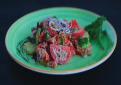 ქართული სალათი კარამელიზირებული ნიგვზით