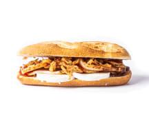 95 - Lombo ao alho, queijo de cabra, doce de morango e cebola crocante