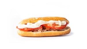 16. Atún, tomate y mayonesa