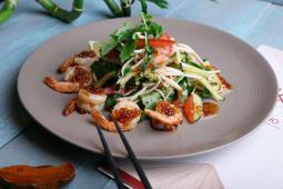 Салат з креветками, овочами та понзу (180г)