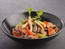 Курча з овочами (190г)