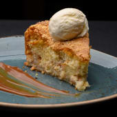 Теплий яблучний пиріг (250/30/40г)