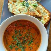 Supă de roșii cu brânză gratinată