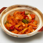 #52 Langostinos al curry (langostino, verduras y fideos en cazuela)