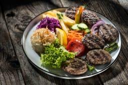 Chiftele turcesti farfurie