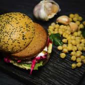 Hamburguesa de falafel vegetariano