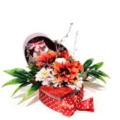 Aranjament Floral Crizanteme și Flori de Gradină (suport inima)